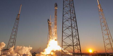 Space X falcon9 lancement réutilisable fusée