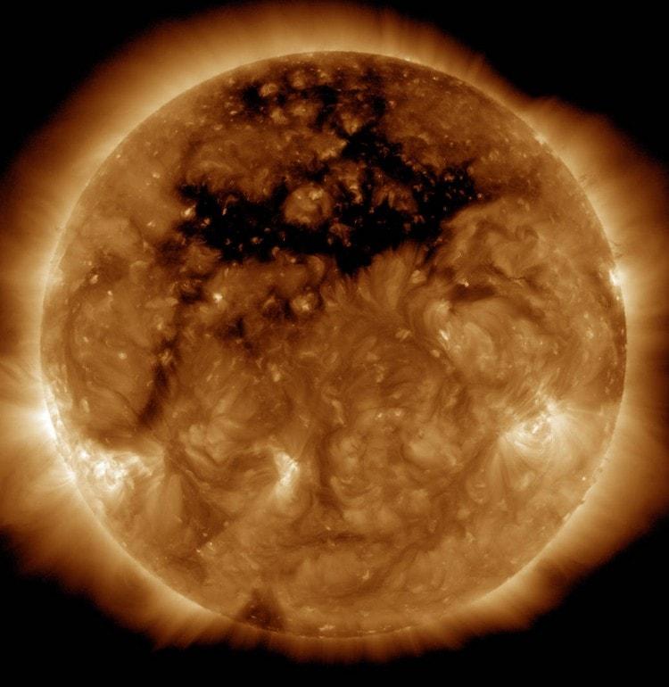 trou couronne solaire
