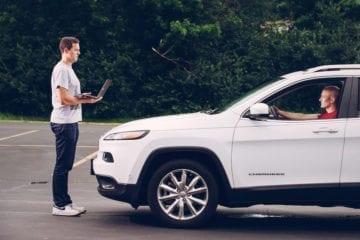piratage vehicule jeep cherokee distance