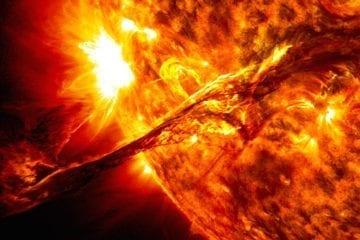 éruptions soleil eruption super flares