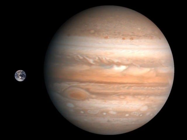 Terre Jupiter comparaison