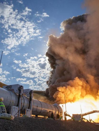 Lanceur nasa space launch system fusée d'appoint nasa orion