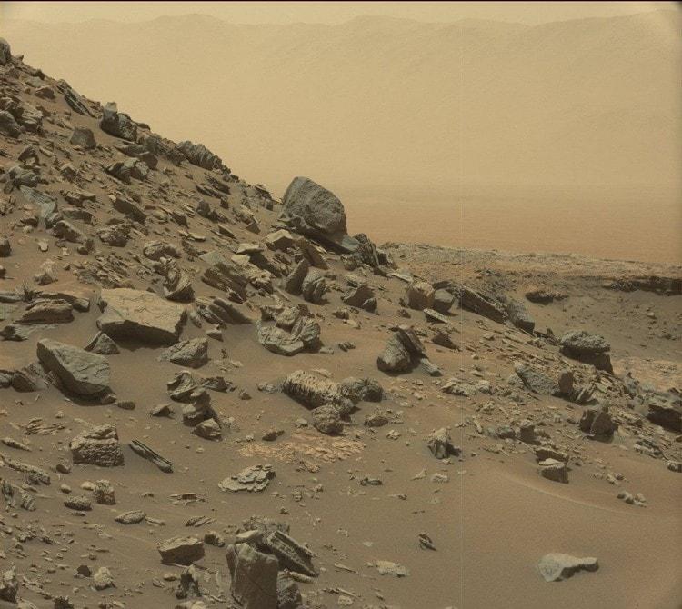 mars roche stratifiée rover curiosity paysage martien mont sharp aeolis mons