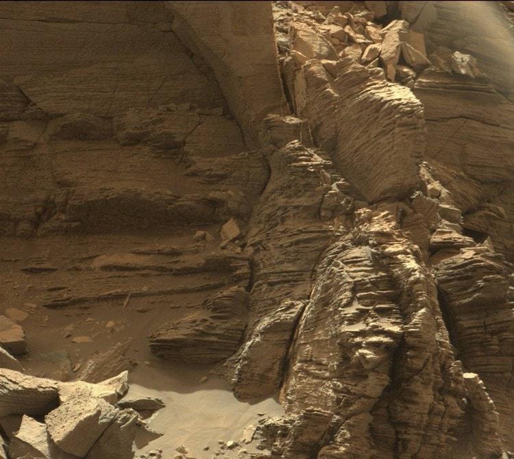 mars roche stratifiée rover curiosity