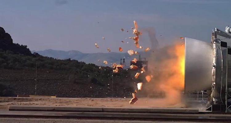 test lanceur puissant sls nasa space launch system explosion moteur