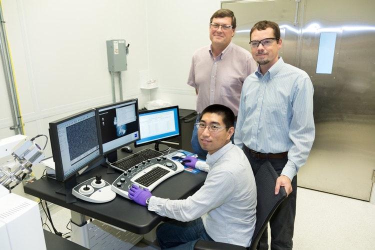 equipe scientifique decouverte transformation co2 dioxyde carbone en éthanol