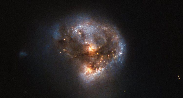 hubble galaxie maser megamaser