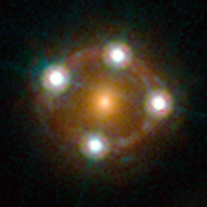 lentille gravitationnelles quasar