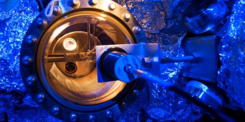 IBM atome microscope à effet tunnel disque dur stockage données Scanning Tunneling Microscope STM