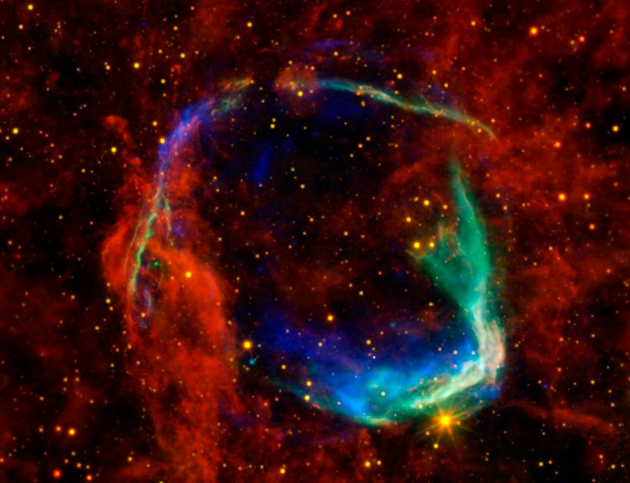 supernova remanent reste gaz bulle interstellaire