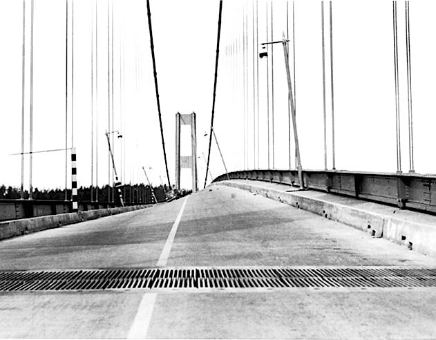 pont resonance tacome détroit narrows 1940