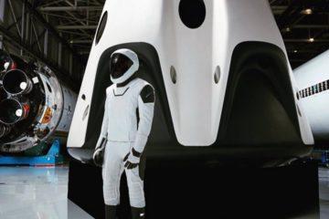 spacex combinaison spatiale pressurisee