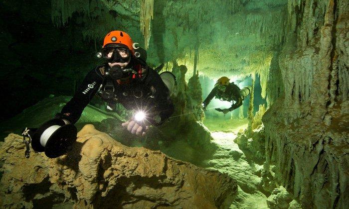 plongee grotte sous marine caverne cave submergee systeme mexique