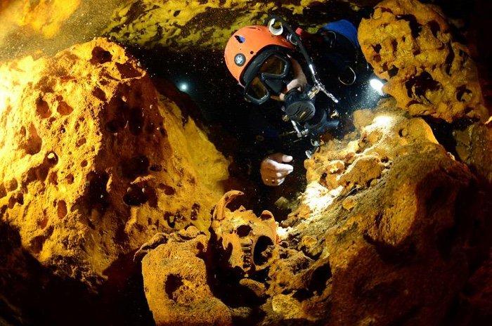 plongee sous marine cave caverne grotte submergee mexique