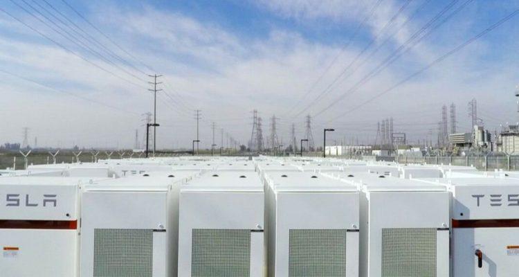 tesla batterie stockage energie propre renouvelable lithium ion australie