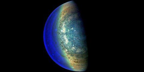 juno nasa sonde vaisseau spatial jupiter planète gazeuse géante
