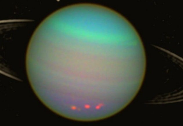 uranus planète système solaire odeur gaz gazeuse
