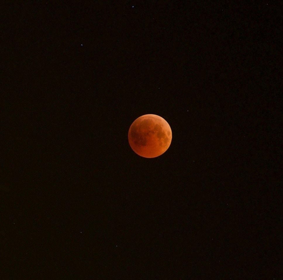 lune abu dhabi eclipse lunaire