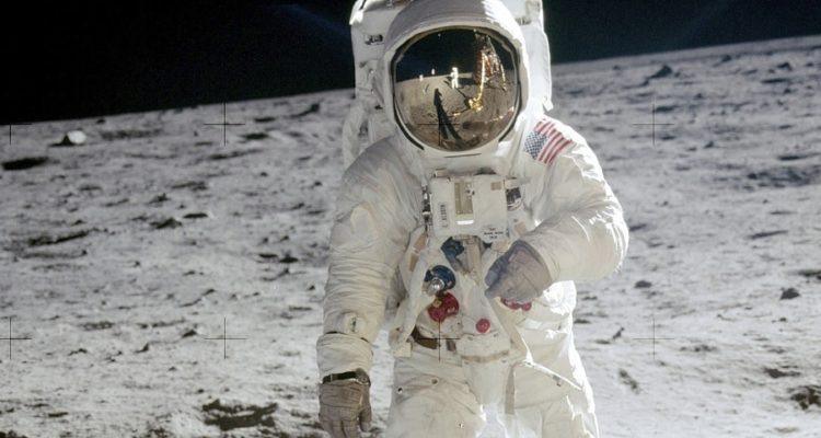 lune astronaute exploration spatiale