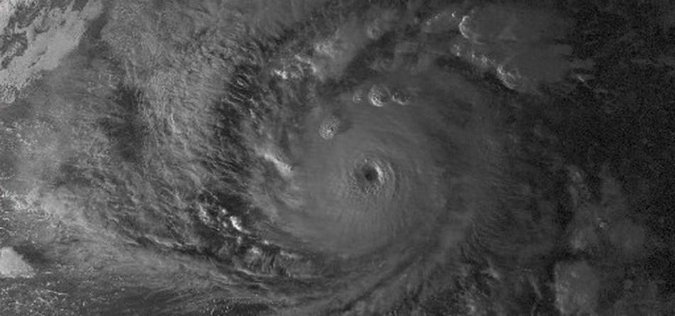 ouragan lane catastrophe naturelle tempete hawaii avion