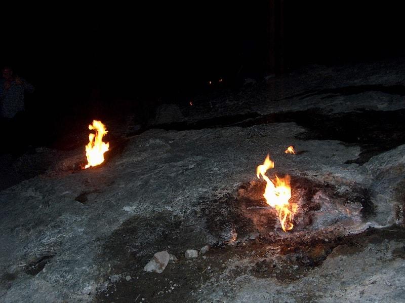 montagne yanartas flammes eternelles