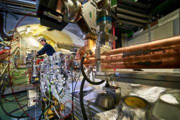 awake electrons sillage plasma