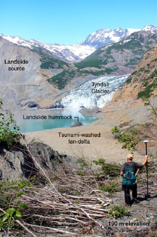 glissement terrain fjord tsunami