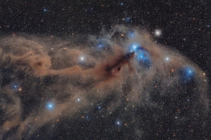 poussiere gaz nebuleuse galaxie etoile