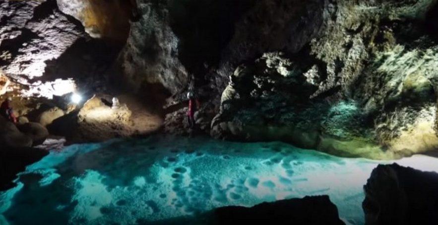 gouffre grotte chine caverne sous terrain