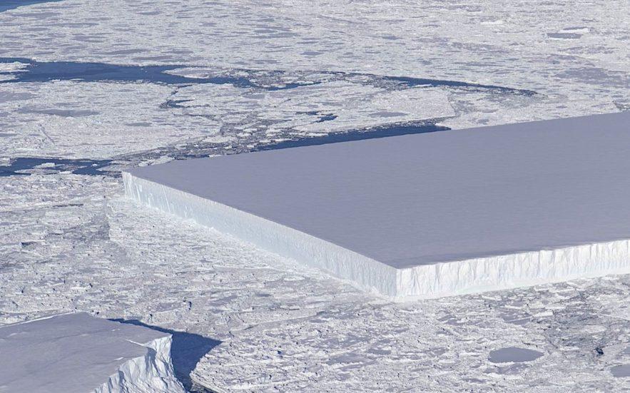 iceberg rectangulaire nasa octobre 2018