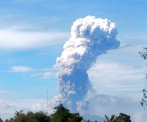indonesie eruption volcanique