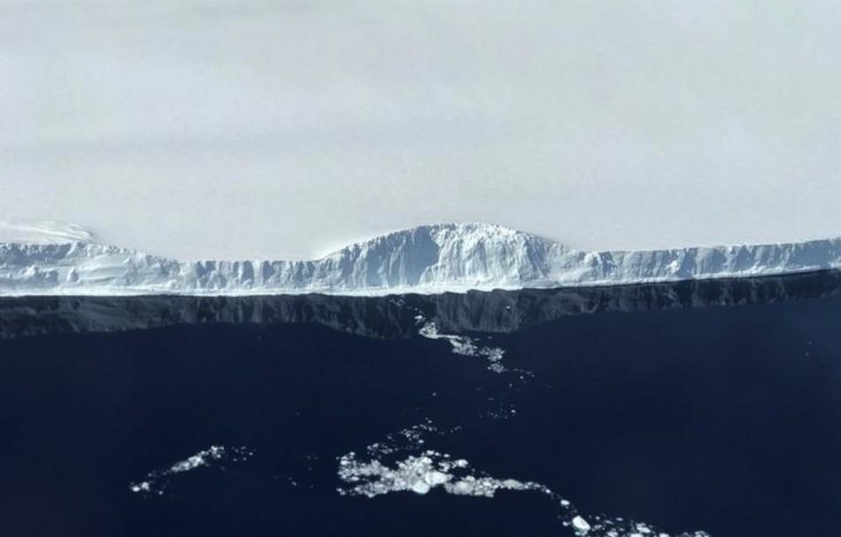 iceberg glace detachement fonte rechauffement climatique