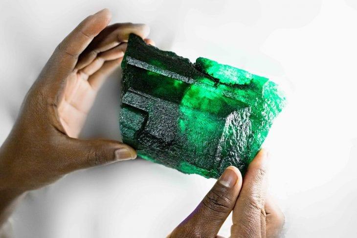 emeraude pierre precieuse zambie carats