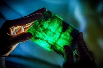 emeraude pierre precieuse decouverte zambie afrique mine carat