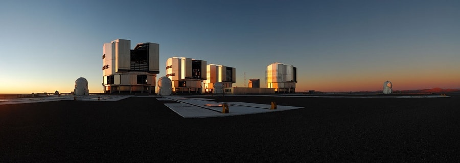 vlt telescopes gravity
