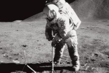 astronaute roche lune