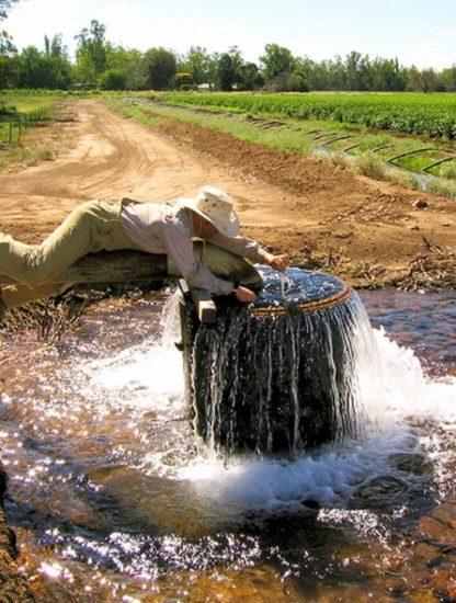plastique microplastiques contamination eaux eau souterraine planète environnement