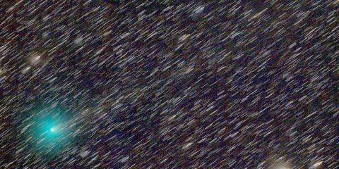 comete objet transneptunien neptune systeme solaire gaz poussiere vert verte