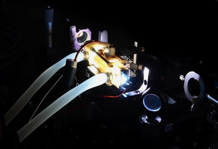 dispositif experimental laser