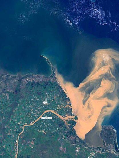 grande barriere corail vague eau polluee