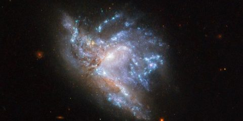 galaxie collision hubble nasa fusion