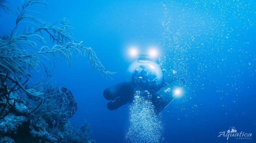 sous marin trou