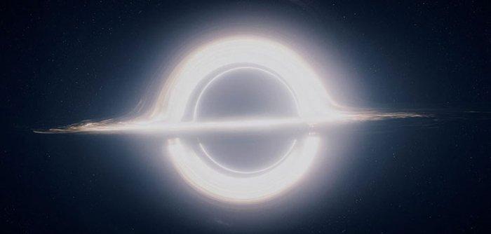 trou noir supermassif interstellar horizon evenements