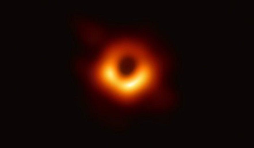 trou noir m87