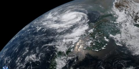 cyclone tempete ouragan inde evacuation extreme