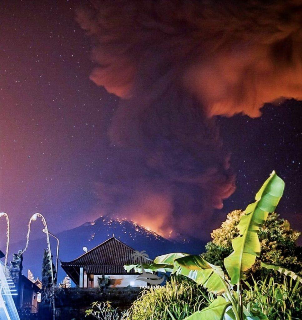 eruption volcan agung bali