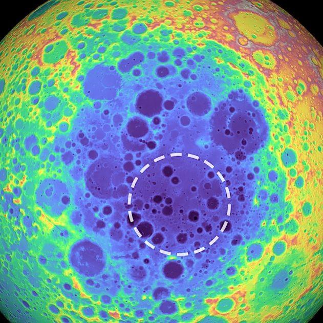 anomalie gravitationnelle lune tache etrange cratere