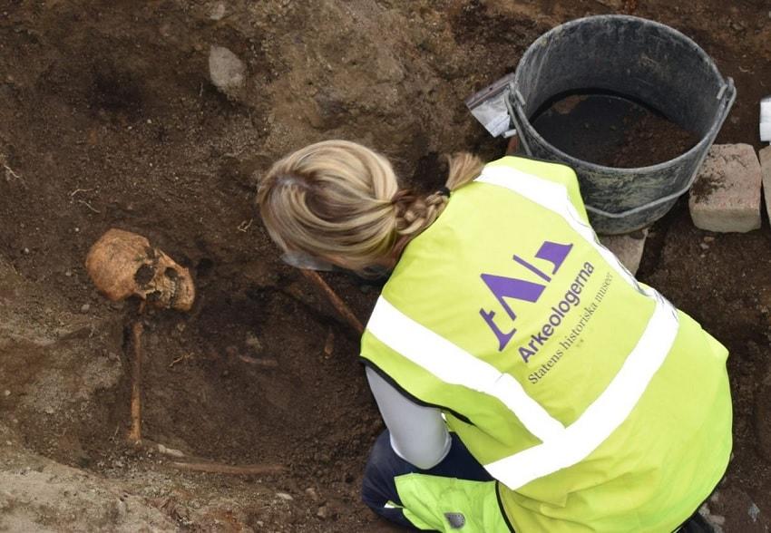 fouilles os humains