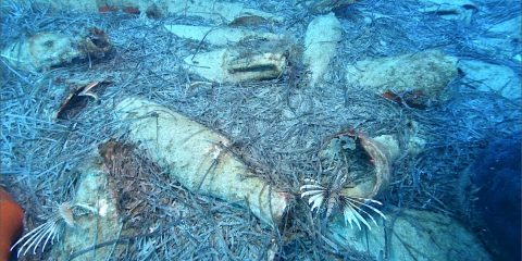 restes amphores ancien naufrage romain chypre