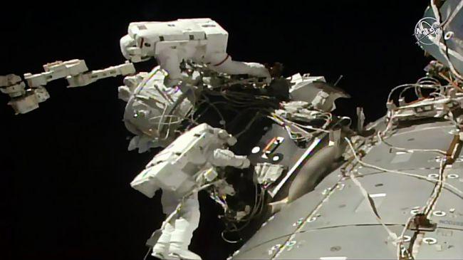 astronaute amarage iss